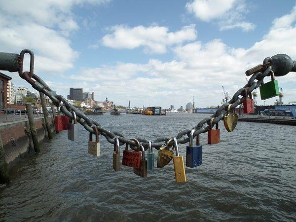 Schlösser im Hamburger Hafen